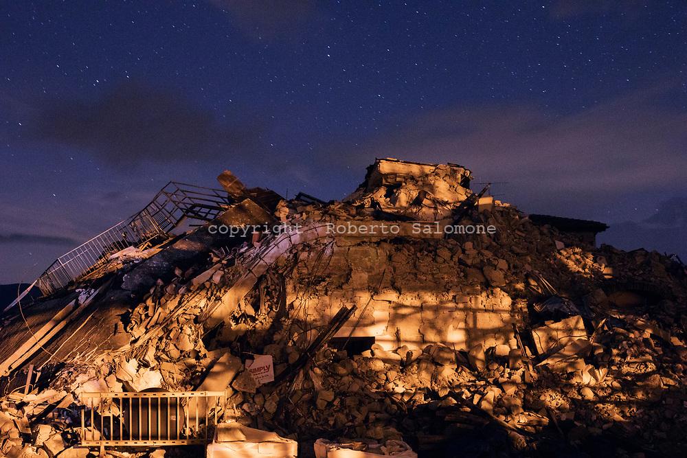 Amatrice, Italia - Veduta delle macieria accumulate ad Amatrice, uno dei centri pi&ugrave; colpiti dal terremoto.<br /> Ph. Roberto Salomone
