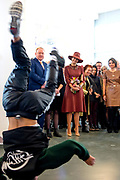 Koningin Maxima tijdens de opening van de tentoonstelling Basquiat, The Artist and His New York Scene in SCHUNCK museum, Heerrlen.<br /> <br /> Queen Maxima at the opening of the exhibition Basquiat, The Artist and His New York Scene at SCHUNCK museum<br /> <br /> Op de foto: <br /> <br />  Koningin Maxima tijdens een opvoering van een break dance / Queen Maxima during a performance of a break dance