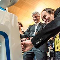 Laurent Wauquiez et Xavier Niel presentent la Silicon Valley europeenne