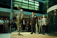 05 SEP 1999, BERLIN/GERMANY:<br /> Gerhard Schröder, SPD, Bundeskanzler und Parteivorsitzender, gibt eine Pressekonferenz zum Ergebnis der Landtagswahlen im Saarland und in Brandenburg, Atrium, Willi-Brand-Haus<br /> IMAGE: 19990905-02/01-12<br /> KEYWORDS: Gerhard Schroeder