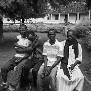 A group of young people from the province of Gabu who tried to reach Europe.<br /> <br /> Un grupo de jovenes de la provincia de Gabu que trataron de llegar a Europa.