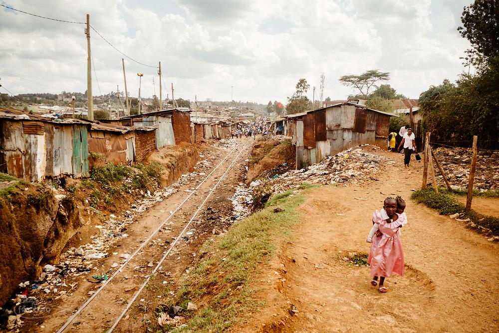 Kenia 2017: Kibera, la ferrovia vista dall'alto