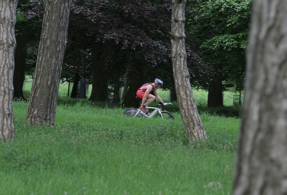 Aoife and Joe Lynch, Irish Triathletes..Joe Lynch takes second place in Dublin Duathlon Series Race.