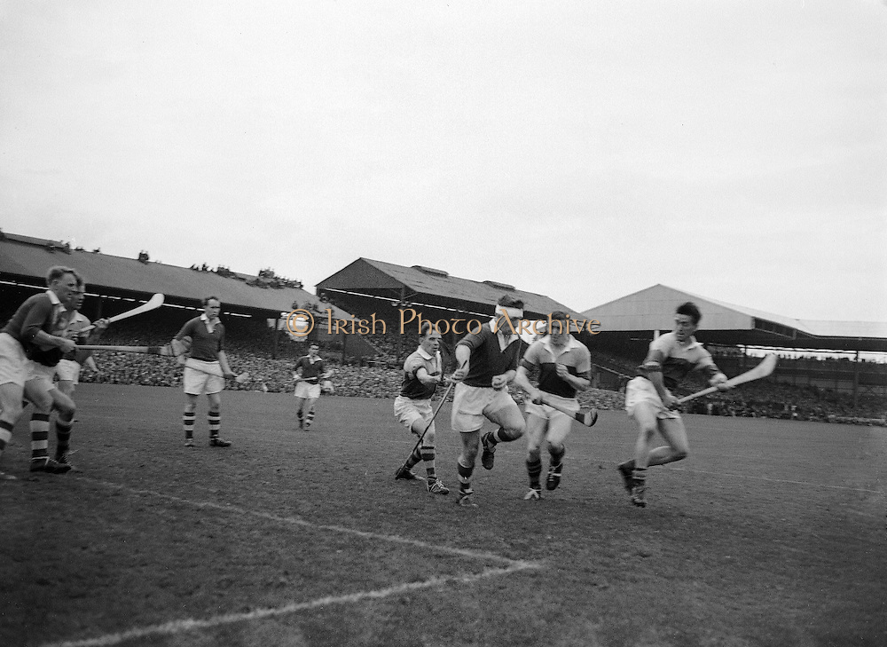 Neg No:.594/8096-8100,..5091954AISHCF,..05.09.1954. 09.05.1954, 5th September 1954,.All Ireland Senior Hurling Championship - Final,..Cork.1-9 .Wexford.1-6,...