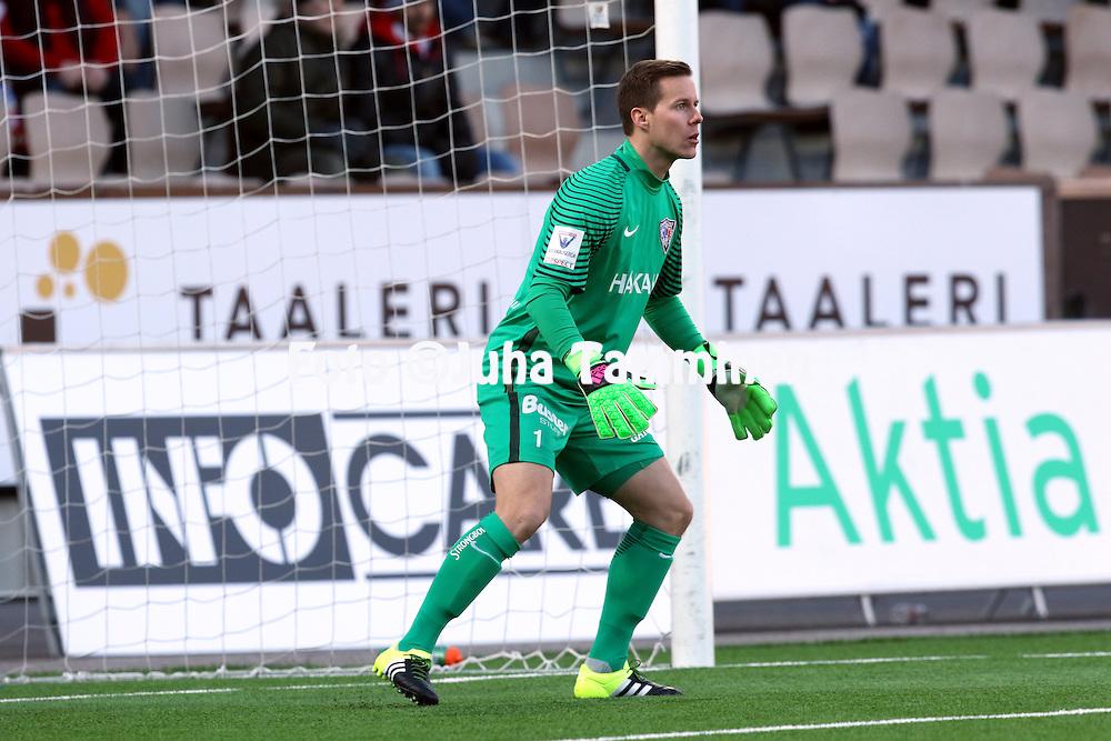 14.4.2016, Sonera Stadion, Helsinki.<br /> Veikkausliiga 2016.<br /> Helsingfors IFK - FC Inter Turku.<br /> Henrik Moisander - Inter