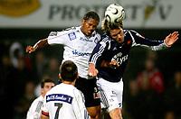 Fotball ,  15. oktober 2006 ,  Tippeligaen , Odd - Viking 0-1 ,<br /> Ragnvald Soma , Viking mot Olof Widen-Watson Odd
