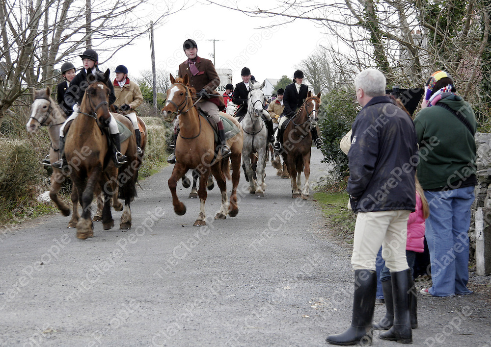 Paticipants in the Ballyvaughan Hunt bring their horses back after a long day on Sunday.<br /> <br /> Photograph by Yvonne Vaughan.