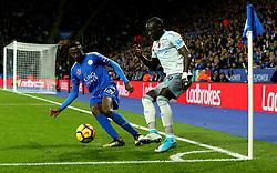 Oumar Niasse of Everton goes past Wilfred Ndidi of Leicester City - Mandatory by-line: Robbie Stephenson/JMP - 29/10/2017 - FOOTBALL - King Power Stadium - Leicester, England - Leicester City v Everton - Premier League