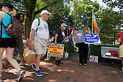 UNITED STATES-CAPE COD-PROVINCETOWN-Protest against President George Bush and the war in Iraq. PHOTO: GERRIT DE HEUS.VS-CAPE COD-PROVINCETOWN-Protest tegen President Bush en de oorlog. PHOTO GERRIT DE HEUS