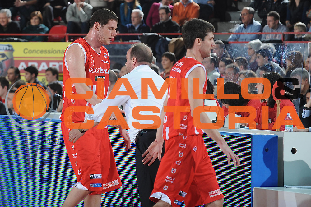 DESCRIZIONE : Varese Lega A 2009-10<br /> Cimberio Varese Banca Tercas Teramo<br /> GIOCATORE : Valerio Amoroso<br /> SQUADRA : Banca Tercas Teramo<br /> EVENTO : Campionato Lega A 2009-2010 <br /> GARA :  Cimberio Varese Banca Tercas Teramo<br /> DATA : 06/02/2010<br /> CATEGORIA : Ritratto<br /> SPORT : Pallacanestro <br /> AUTORE : Agenzia Ciamillo-Castoria/A.Dealberto<br /> Galleria : Lega Basket A 2009-2010 <br /> Fotonotizia : Varese Campionato Italiano Lega A 2009-2010 Cimberio Varese Banca Tercas Teramo<br /> Predefinita :