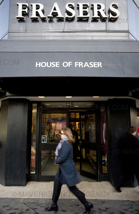 General Views of House Frasers in Edinburgh...Baugur, the Icelandic group that holds stakes in British high street retailers such as House of Fraser and Hamleys, fell into the hands of its creditors today after failing to reach an agreement over more than £1bn of debt...04/2/2009.Picture Michael Hughes/Maverick