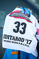 Mats Pettersson kör Iditarod i Alaska. Hans startnummer är 33.