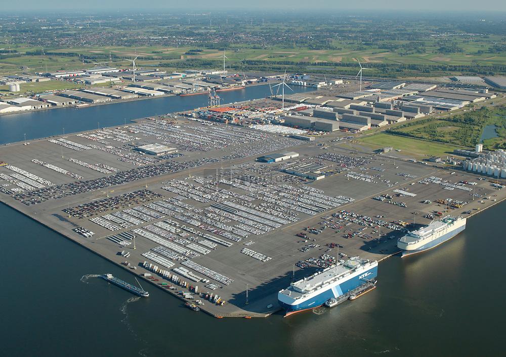 De Vrasene Terminal aan kaaien 1235 tot 1241 is de grootste RoRo terminal in de haven van Antwerpen. Het is de thuisbasis voor de import van vele Koreaanse en Japanse automerken.