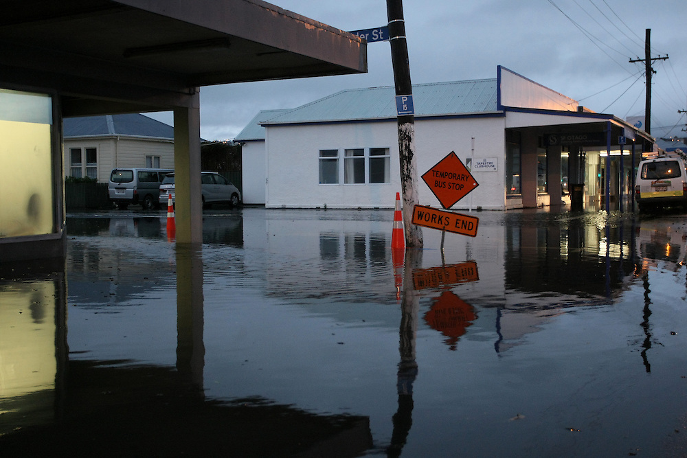 Flooding continues in and around the city of  Dunedin, New Zealand, Thursday, June 04, 2015. Credit: SNPA/Dianne Manson