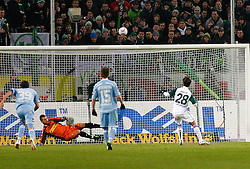25.02.2010, Volkswagen Arena, Wolfsburg, GER, 1.FBL, VfL Wolfsburg vs Borussia Moenchengladbach, im Bild  Diego (Wolfsburg #28) vergibt den Elfmeter EXPA Pictures © 2011, PhotoCredit: EXPA/ nph/  Schrader       ****** out of GER / SWE / CRO  / BEL ******