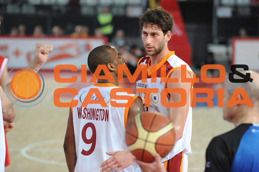 DESCRIZIONE : Roma Lega A 2010-11 Lottomatica Virtus Angelico Biella<br /> GIOCATORE : Vladimir Dasic<br /> SQUADRA : Lottomatica Virtus Roma Angelico Biella<br /> EVENTO : Campionato Lega A 2010-2011 <br /> GARA : Lottomatica Virtus Roma Angelico Biella<br /> DATA : 10/04/2011<br /> CATEGORIA : Fair Play<br /> SPORT : Pallacanestro <br /> AUTORE : Agenzia Ciamillo-Castoria/GiulioCiamillo<br /> Galleria : Lega Basket A 2010-2011 <br /> Fotonotizia : Roma Lega A 2010-11 Lottomatica Virtus Roma Angelico Biella<br /> Predefinita :