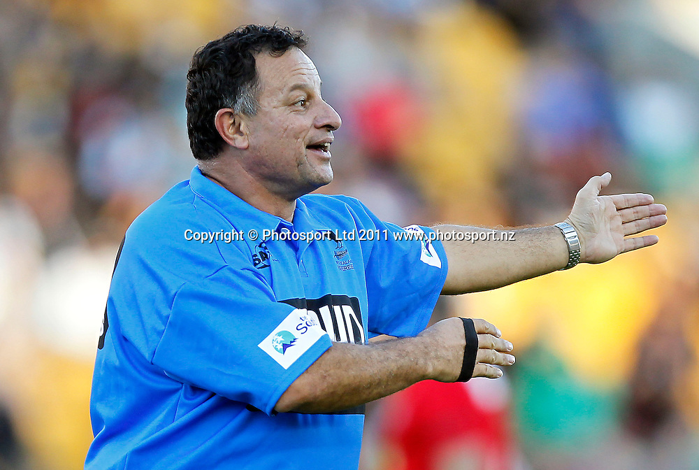Referee Dave Pikieto. Australia and New Zealand Legends of League Christchurch Earthquake Appeal Match, Mt Smart Stadium, Auckland, New Zealand, Thursday 10 March 2011. Photo: Simon Watts / photosport.co.nz