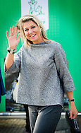 1-10-2014 ROTTERDAM  - Koningin Maxima houdt woensdag 1 oktober in het 'eauditorium' van Diergaarde Blijdorp in Rotterdam een toespraak bij een symposium van platform Wijzer in geldzaken over het stimuleren van verantwoord financieel gedrag. met Jeroen Dijsselbloem .COPYRIGHT ROBIN UTRECHT