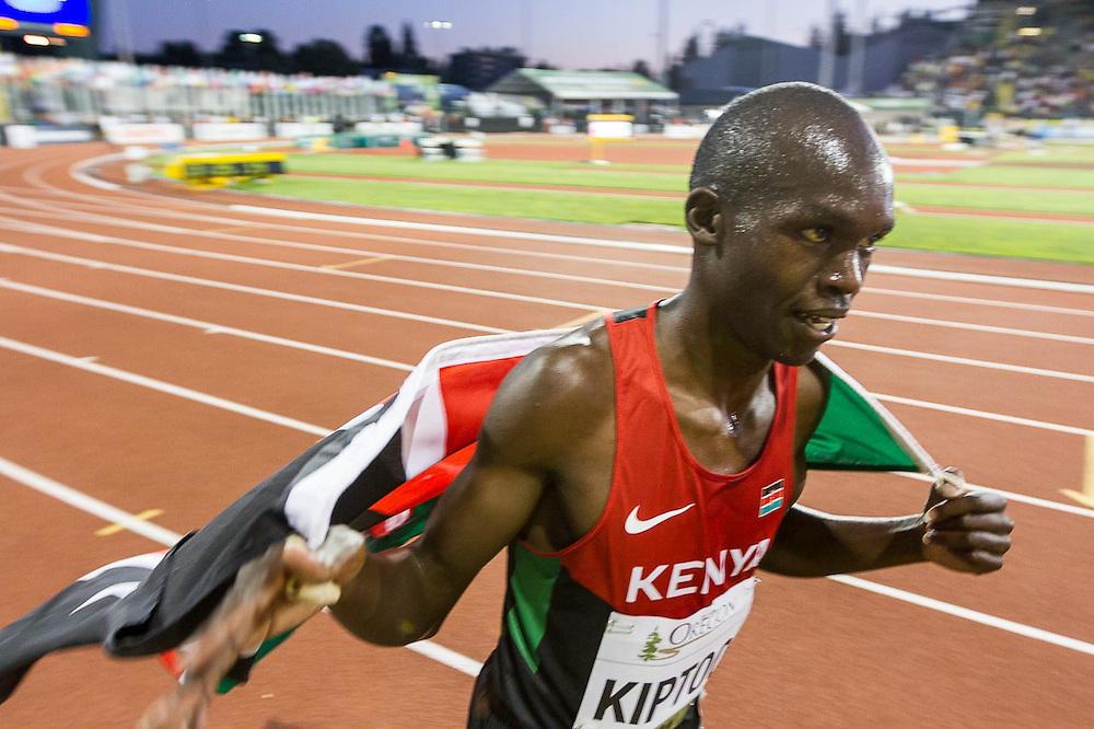 mens 5000 meters, Kiptoo, Kenya, 6th, victory lap