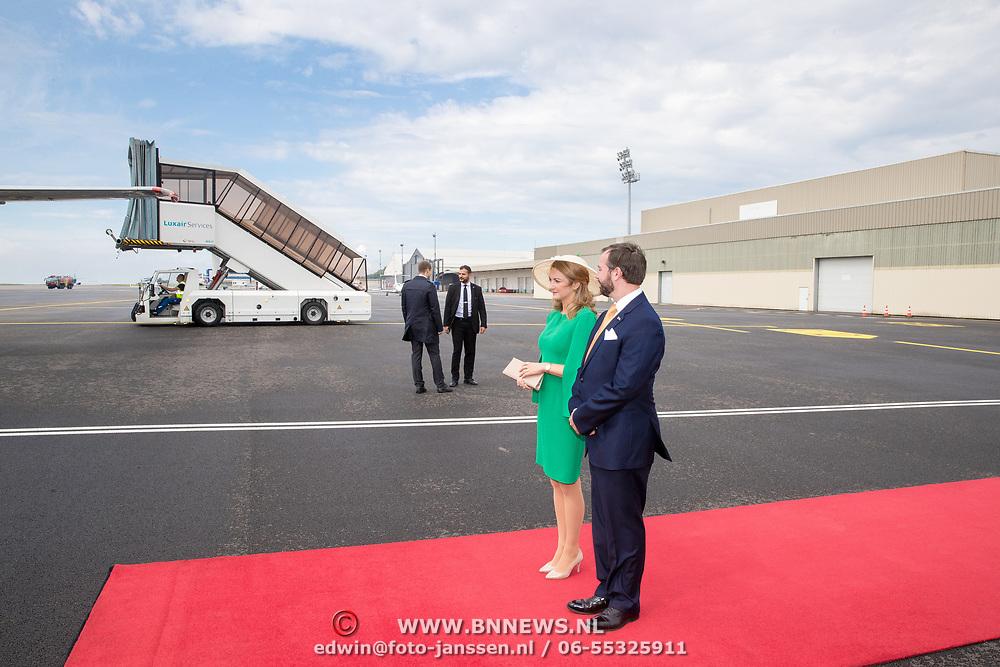 LUX/Luxembug/20180523 - Staatbezoek Luxemburg 2018 dag 1, wachtend Koninklijk paar