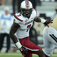 South Carolina Gamecocks defensive end Jadeveon Clowney (7) plays during an NCAA football game between the South Carolina Gamecocks and the Central Florida Knights at Bright House Networks Stadium on Saturday, September 28, 2013 in Orlando, Florida. (AP Photo/Alex Menendez)