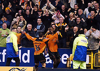 Fotball<br /> Championship England 2004/05<br /> Wolverhampton Wanderers v Queens Park Rangers<br /> 23. oktober 2004<br /> Foto: Digitalsport<br /> NORWAY ONLY<br /> CARL CORT CELEBRATES HIS AND WOLVES 2ND GOAL