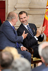 24.06.2015, Palacio Real, Madrid, ESP, Festakt zu 30 Jahre EU Mitgliedschaft Spaniens, im Bild King Felipe VI of Spain (R) and King Juan Carlos (L) // attend the 30th Anniversary of Spain being part of European Communities at the Palacio Real in Madrid, Spain on 2015/06/24. EXPA Pictures © 2015, PhotoCredit: EXPA/ Alterphotos/ POOL/ Ricardo Garcia<br /> <br /> *****ATTENTION - OUT of ESP, SUI*****