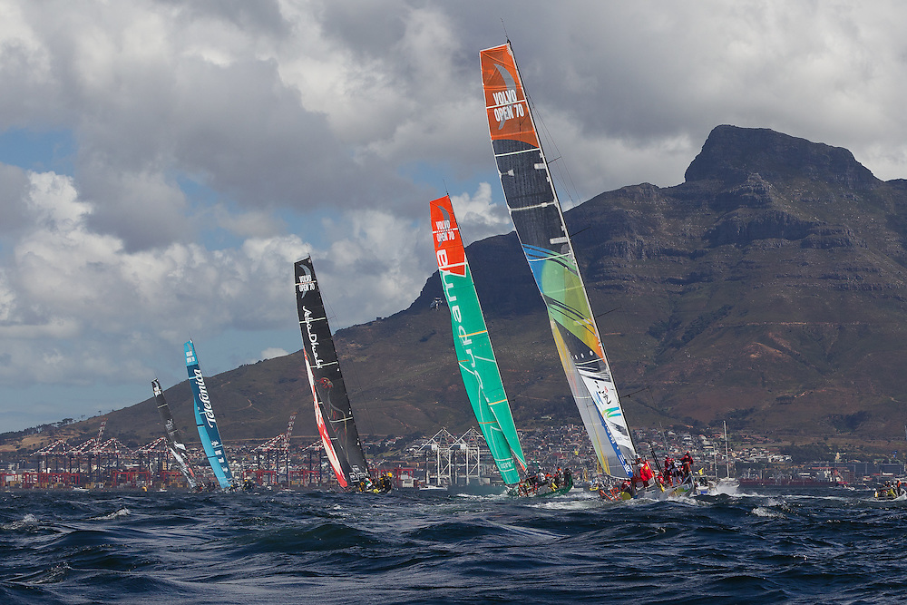 SOUTH AFRICA. 10th December 2011. Volvo Ocean Race. V and A Waterfront In Port Race.