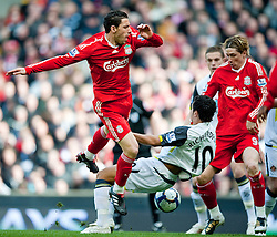 28.03.2010, Anfield, Liverpool, ENG, FA Premier League, Liverpool FC vs Sunderland FC, im Bild Liverpool's Maximiliano Ruben Maxi Rodriguez is brought down by Sunderland's Kieran Richardson during the Premiership match at Anfield. EXPA Pictures © 2010, PhotoCredit: EXPA/ Propaganda/ D. Rawcliffe / SPORTIDA PHOTO AGENCY