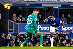 Theo Walcott of Everton heads the ball at goal - Mandatory by-line: Robbie Stephenson/JMP - 10/12/2018 - FOOTBALL - Goodison Park - Liverpool, England - Everton v Watford - Premier League