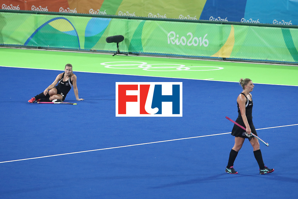 RIO DE JANEIRO, BRAZIL - AUGUST 17: Rose Keddell and Brooke Neal of New Zealand during the womens semifinal match between the Great Britain and New Zealand on Day 12 of the Rio 2016 Olympic Games at the Olympic Hockey Centre on August 17, 2016 in Rio de Janeiro, Brazil.  (Photo by Mark Kolbe/Getty Images)