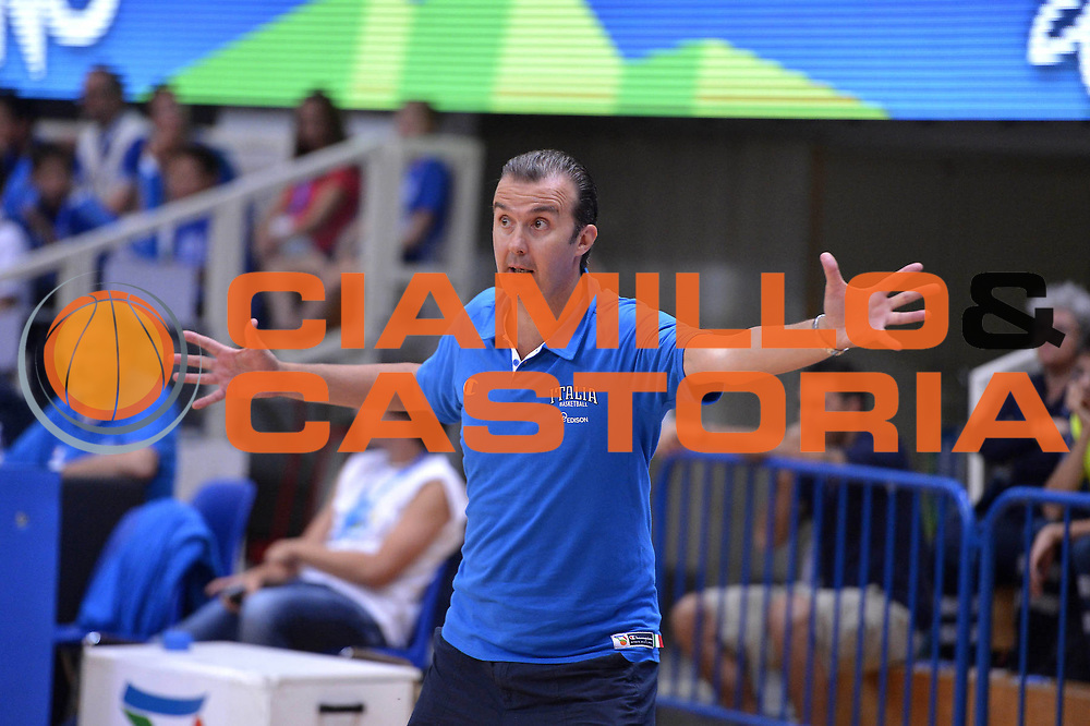 DESCRIZIONE : Trento Basket Cup 2013 Italia Polonia<br /> GIOCATORE : Simone Pianigiani<br /> CATEGORIA : Delusione<br /> SQUADRA : Nazionale Italia Uomini Maschile<br /> EVENTO : Trento Basket Cup 2013 Italia Polonia<br /> GARA : Italia Polonia<br /> DATA : 09/08/2013<br /> SPORT : Pallacanestro<br /> AUTORE : Agenzia Ciamillo-Castoria/GiulioCiamillo<br /> Galleria : FIP Nazionali 2013<br /> Fotonotizia : Trento Basket Cup 2013 Italia Polonia<br /> Predefinita :