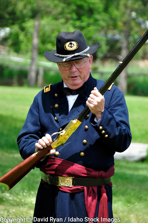 Man dressed as Union Army Major with Henry Rifle
