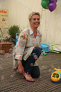 Kim Wilde, KIM WILDE TO HOSTS RHS ÔA MAGICAL GARDEN PARTY' -HAMPTON COURT PALACE FLOWER SHOW, 2 JULY 2007. DO NOT ARCHIVE-© Copyright Photograph by Dafydd Jones. 248 Clapham Rd. London SW9 0PZ. Tel 0207 820 0771. www.dafjones.com.