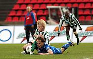 22.05.2008, Ratina, Tampere, Finland..Veikkausliiga 2008 - Finnish League 2008.Tampere United - FC KooTeePee.Vili Savolainen (TamU) v Tomi Saarelma (KooTeePee).©Juha Tamminen.....ARK:k