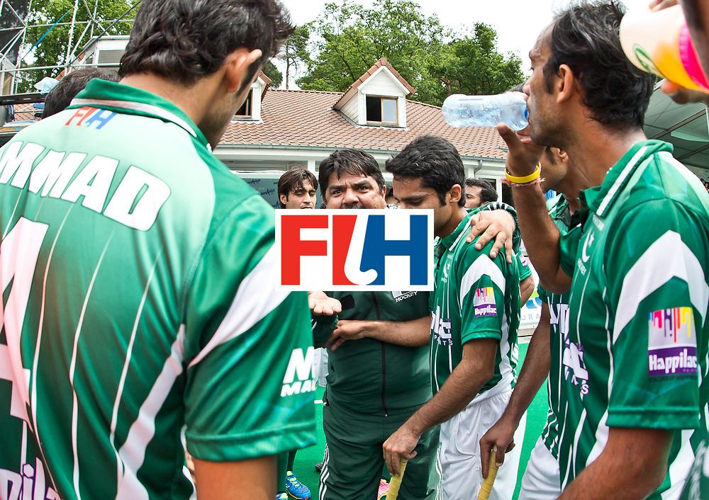 28/06/2015<br /> HWL Semi Final Antwerp Belgium 2015<br /> Pakistan v France Men<br /> Pakistan coach Sheikh Shahnaz<br /> Photo: Grant Treeby