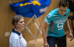 04-06-2016 NED: Nederland - Duitsland, Doetinchem<br /> Nederland speelt de tweede oefenwedstrijd in Doetinchem en verslaat Duitsland opnieuw met 3-1 / Lijnrechter
