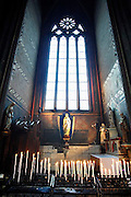 Frankrijk, Clermont-Ferrand, 20-9-2008Mariabeeld in de kathedraal van de stad. Maria statue in the cathedral of the city.Foto: Flip Franssen/Hollandse Hoogte
