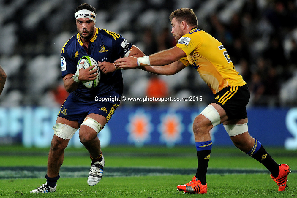 James Franklin of the Highlanders in action, during the Super Rugby Match between the Highlanders and the Hurricanes, at Forsyth Barr Stadium, Dunedin, New Zealand, 20 March 2015. Credit: Joe Allison / www.photosport.co.nz