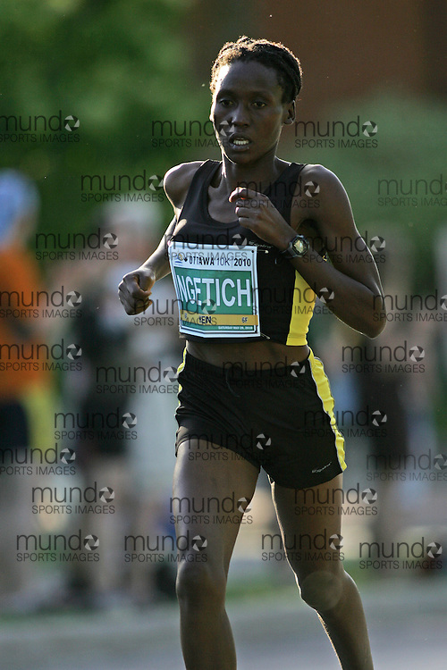 (Ottawa, ON --- May 29, 2010) HYVON NGETICH running in the 10km race during the Ottawa Race Weekend. Photograph copyright Sean Burges / Mundo Sport Images