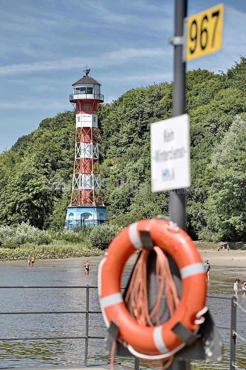 Rettungsring beim Leuchtturm Wittenbergen am Rissener Ufer
