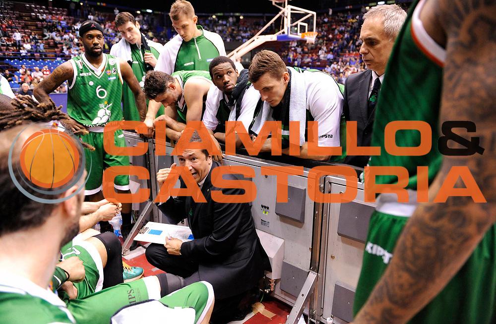 DESCRIZIONE : Milano Lega A 2012-13 Play Off Quarti di Finale Gara1 EA7 Olimpia Armani Milano Montepaschi Siena<br /> GIOCATORE : Coach Luca Banchi<br /> SQUADRA : Montepaschi Siena<br /> EVENTO : Campionato Lega A 2012-2013 Play Off Quarti di Finale Gara1<br /> GARA :  EA7 Olimpia Armani Milano Montepaschi Siena<br /> DATA : 10/05/2013<br /> CATEGORIA : Coach Fair Play TimeOut Directory<br /> SPORT : Pallacanestro<br /> AUTORE : Agenzia Ciamillo-Castoria/A.Giberti<br /> Galleria : Lega Basket A 2012-2013<br /> Fotonotizia : EA7 Olimpia Armani Milano Montepaschi Siena<br /> Predefinita :