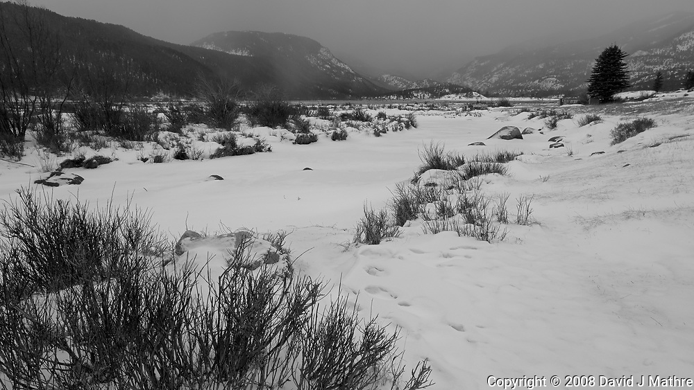 Winter Storm Approaching. Moraine Park in Rocky Mountain National Park. Image taken with a Nikon D2xs camera and 17-35 mm f/2.8 lens (ISO 100, 17 mm, f/9, 1/125 sec).