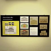 Produzione di pannelli di resina nel laboratorio dell'Istituto dei Ciechi a Milano, seguendo i criteri dell'alfabeto Braille. Con questi pannelli i ciechi possono leggere, e conoscere i monumenti attraverso il tatto..Le tre fasi di lavorazione dei pannelli di plastica in rilievo. Si comincia dal disegno del progetto fornito dallo studio di architettura, abbinato ad alcune fotografie per rilevare i particolari, per giungere poi alla sagoma di legno...Production of resin panels in the laboratory of the Institute of the Blind people to Milan, following the criteria of the Braille alphabet. With these panels the blind people can read, and know monuments through the tact..The three stages of processing of plastic panels in relief. We start from the design of the project provided by the study of architecture, combined with some photographs to detect the details, then to achieve the silhouette of wood.
