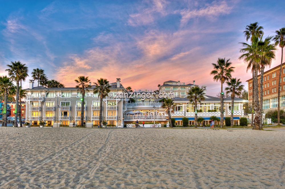 shutters on the beach beachfront luxury hotel santa. Black Bedroom Furniture Sets. Home Design Ideas