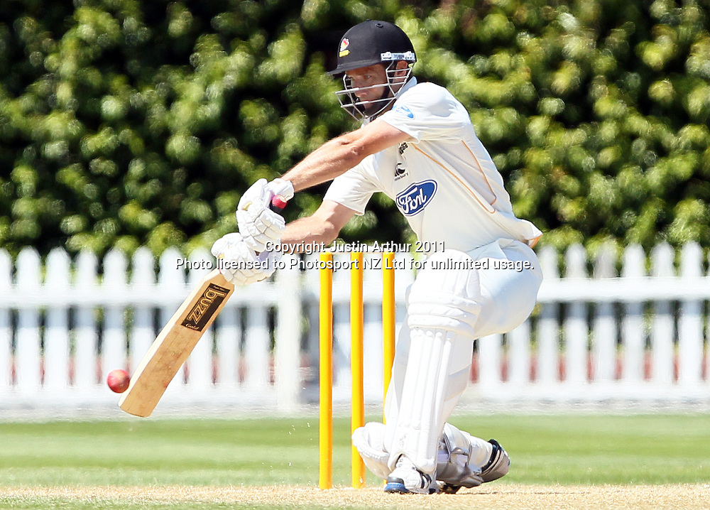 Grant Elliott in action. Plunket Shield cricket - Wellington Firebirds v Otago Volts, day three at Hawkins Basin Reserve, Wellington, New Zealand on Thursday 1 December 2011. Photo: Justin Arthur / photosport.co.nz