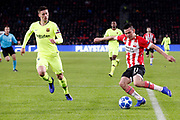 Barcelona player Sergio Busquets (l) and PSV player Hirving Lozano (r) during the UEFA Champions League, Group B football match between PSV Eindhoven and FC Barcelona on November 28, 2018 at Philips Stadium in Eindhoven, Netherlands - Photo Joep Leenen / Pro Shots / ProSportsImages / DPPI