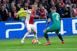 08-05-2019 NED: Semi Final Champions League AFC Ajax - Tottenham Hotspur, Amsterdam<br /> After a dramatic ending, Ajax has not been able to reach the final of the Champions League. In the final second Tottenham Hotspur scored 3-2 / Donny van de Beek #6 of Ajax, Toby Alderweireld #4 of Tottenham Hotspur