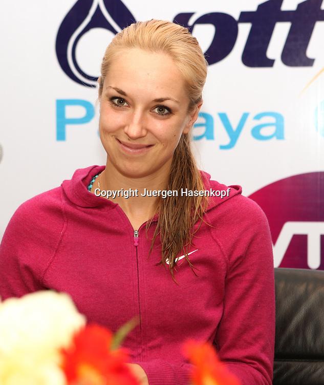 Pattaya Open 2014,WTA Tour, Damen<br /> Tennis Turnier in Pattaya,Thailand<br /> Presse Konferenz,Sabine Lisicki (GER),Einzelbild,<br /> Halbkoerper,Hochformat,Portrait,
