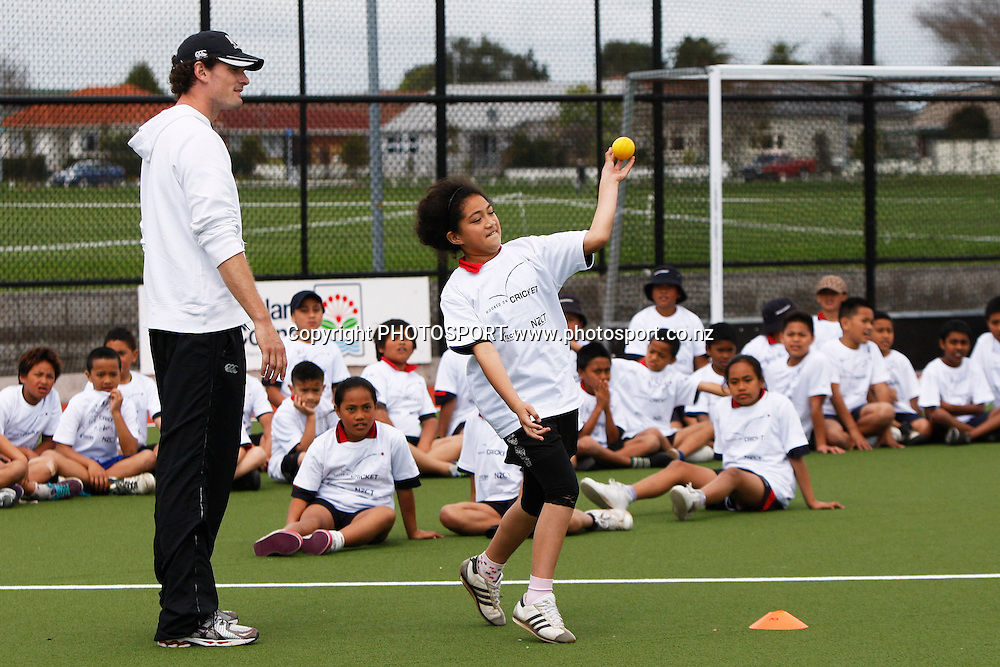 New Zealand Cricket Players Association (NZCPA) School kids day at Papatoetoe Sports Center. Wednesday 5 October 2011. Photo: Ella Brockelsby/photosport.co.nz